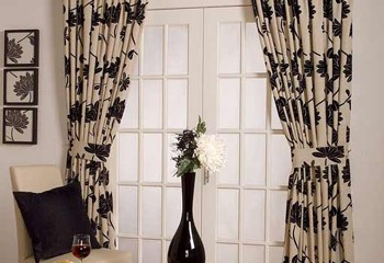 Selecting and Hanging Ready-Made Drapes